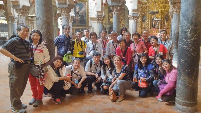 richmond tours group with guide cordoba