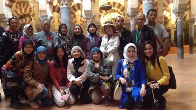 Indonesian_friends_Buanna_Agency_visiting_cordoba_with_Maria.jpg